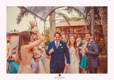 Os elegantes  noivos