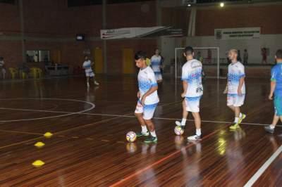 Jogadores realizaram atividades técnicas e táticas