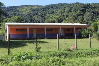 Escola Municipal Afonso Beise: fechada desde 2011