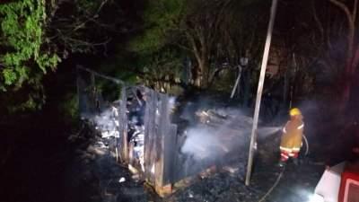 Incêndio na rua Amândio Silva vitima idoso na madrugada deste sábado