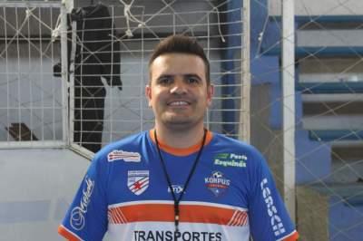 Douglas dos Santos Braga, atual coordenador da escolinha do Atlético