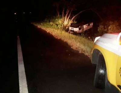 Susto: veiculo capotou para fora da pista no km 59 da RSC 287, na localidade de Mariante