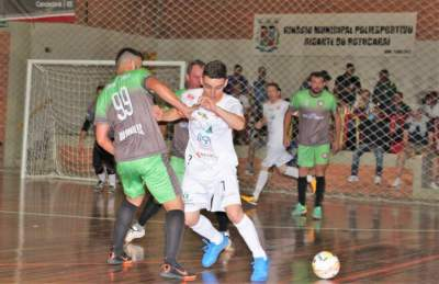 Independiente 4 x 3 Dynamo