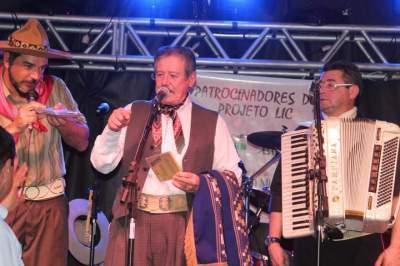 Semana Farroupilha: show do grupo Os Monarcas