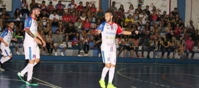 Gui Dassow comemora o gol que abriu a vitória do Atlético