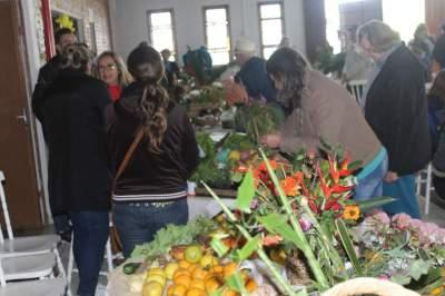 Troca-Troca reúne 27 grupos no Salão Paroquial