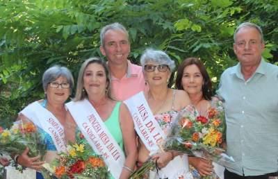 As vencedoras ao lado do prefeito Paulo Butzge e do vice-prefeito Nestor Ellwanger