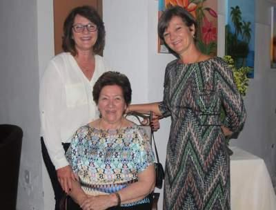 Elyata Emmel com as filhas Angela e Mayra Emmel Araújo