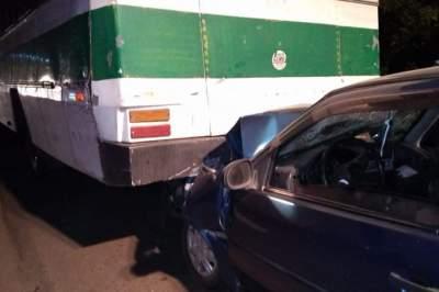 Acidente envolvendo um Gol e um ônibus deixa um morto na Sesmaria do Pinhal