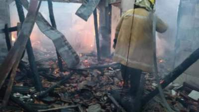 Incêndio destrói casa no Capão do Valo, interior de Candelária