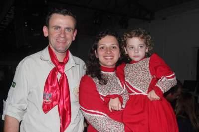 Diego, Miriam e a filha Alice Jung