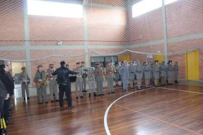 Apresentação do Pelotão Mirim da Brigada Militar na solenidade de abertura