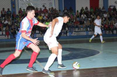 Atlético vence o clássico contra o Maxxycandeias: 4 a 1