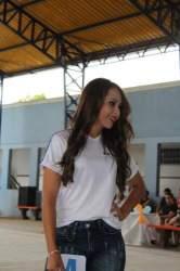 O desfile da candidata a rainha Camila, nº 4