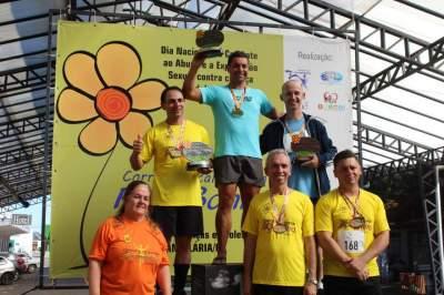Premiação 40/44 anos masculino 8km