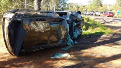 Acidente envolvendo três veículos deixa mulher ferida