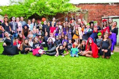 Wizard Idiomas realiza Halloween beneficente