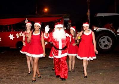 """Natal das Candeias: a chegada do Papai Noel e o show """"Estrelinha de Natal"""""""