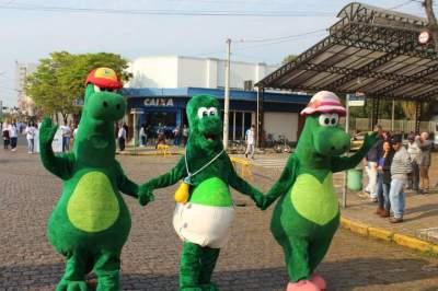 Candino, Candina e Dino Jr.