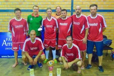 Posto Esquinão: campeão no veterano