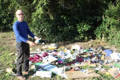 Depósito de lixo formado próximo ao Arroio Laranjeiras - Fotos: Tiago Mairo Garcia - Folha de Candelária