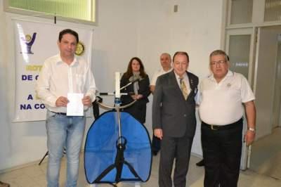 Rotary Clube doa guincho hospitalar para o Hospital Candelária