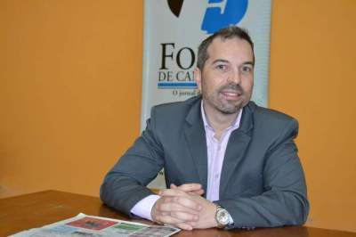 Cláudio Soares visitou a Folha na manhã de sexta, 17, para divulgar o vestibular (Fotos: Arquivo e Diego Foppa)
