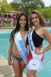 A 2ª Princesa, Andriele Saraiva, com Viviane, a Garota das Piscinas 2017