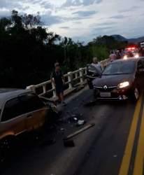Caroneira do Logan sofreu ferimentos e recebeu atendimento do Samu - Crédito: Divulgação/ Folha
