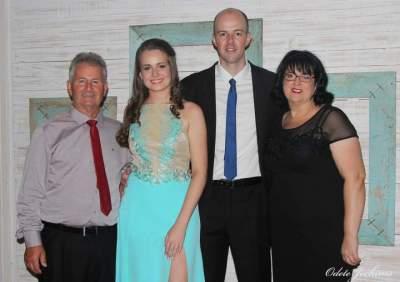 Eri Marion, Dgiulia Marion e Renato B. Porto dos Santos e Vanisa Marion