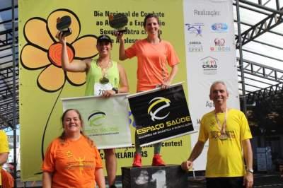 Premiação 30/34 anos feminino 8km