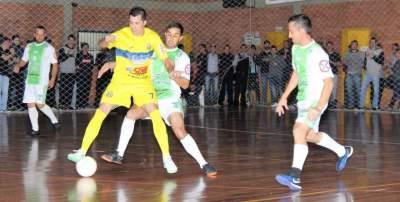 Municipal de Futsal: Ewaldo Prass e Marvados irão decidir o título na categoria livre