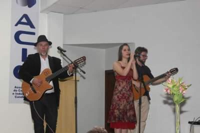 Interpretação de algumas canções de Juliana Pires arrancou muitos aplausos dos presentes