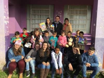 Dia 1º/07 no turno da tarde a COOPERARTE visitou a Educação Infantil da EMEF. Adolfo Karnopp