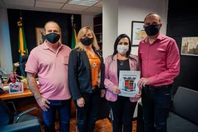 Bancada do PTB leva demandas para Kelly Moraes