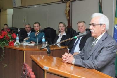 Câmara concede títulos de cidadão candelariense para o médico Vasconcellos e o pastor Erohin
