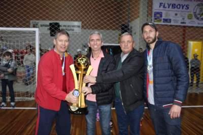 FCC/Bataioli, campeão da categoria veteranos