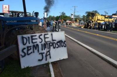 Protestos  de agricultores e caminhoneiros são registrados em Candelária e Novo Cabrais