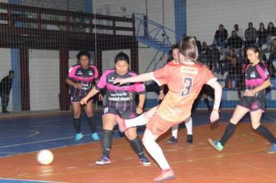 Maxxy Feminino 4 x 2 Pumas Futsal