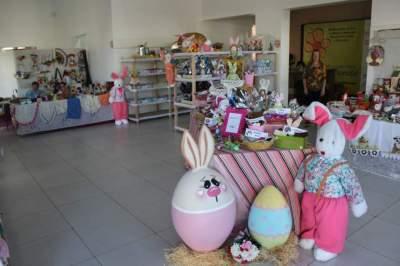 Peças de artesanato também estão expostos durante o evento
