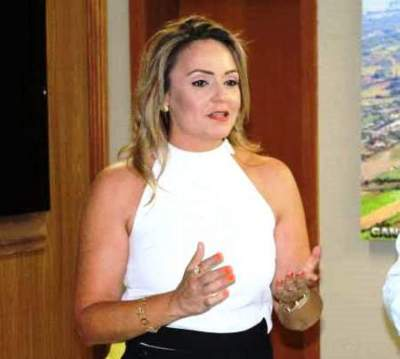 Troca na secretaria de Educação: sai Leandra Sartori e entra Sônia Pereira