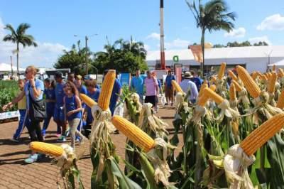 Público pode conferir as novas tecnologias do setor agrícola