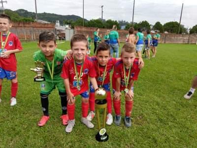 Kauã, Bernardo, Luis e Nicolas: campeões invictos