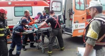 Motorista do caminhão foi retirado a pouco das ferragens pelas equipes de resgate