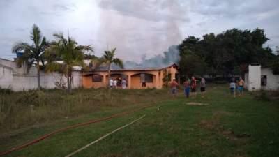 Incêndio atinge casa desabitada no Bairro Rincão Comprido