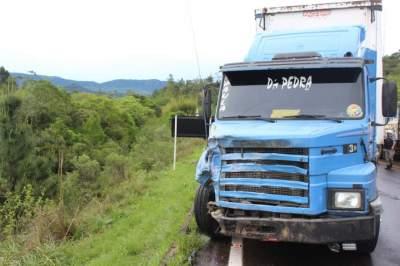 Motorista do caminhão não teve ferimentos