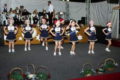 Noite de balé e orquestra do Medianeira no Natal das Candeias