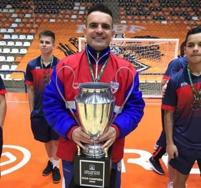 O técnico, Douglas Braga