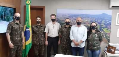 Rim é empossado oficialmente presidente da Junta do Serviço Militar