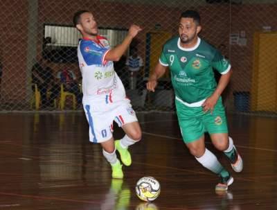 Guilherme Dassow foi o artilheiro do jogo com quatro gols
